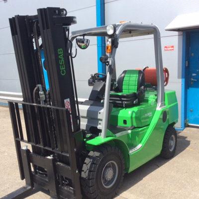 Cesab-m325h-2500kg-forklift
