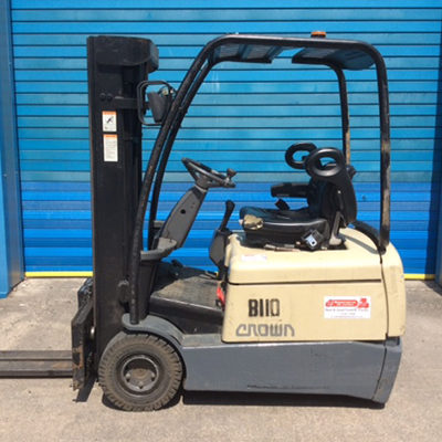 crown-3-wheel-electric-forklift